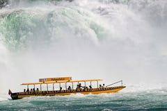 小船落乐趣莱茵河瑞士 免版税图库摄影