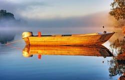 小船薄雾 库存照片