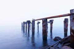 小船被中断的码头 免版税库存照片