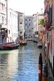 小船运河威尼斯 免版税库存照片