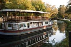 小船运河被塑造的老 免版税库存图片