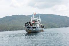 小船运载的战士 库存照片