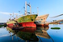小船钓鱼停泊了 库存照片