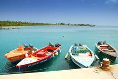 小船钓鱼海港尼维斯岛 图库摄影