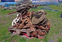 小船链子和绳索 库存图片