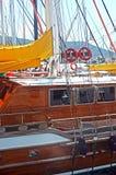 小船靠码头在博德鲁姆的港口 库存照片