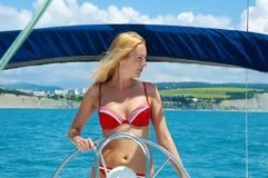 小船风帆性妇女年轻人 图库摄影