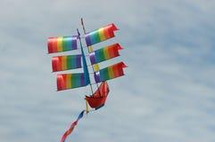 小船风筝塑造了 免版税库存图片