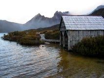 小船鸠湖棚子塔斯马尼亚岛 免版税图库摄影