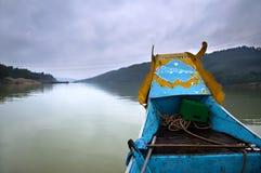 小船龙香水河越南 免版税库存图片