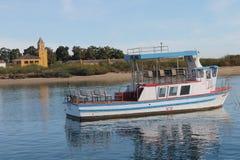 小船,海岛Tavira葡萄牙 库存图片