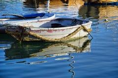 小船|莱姆里杰斯港口 免版税库存照片