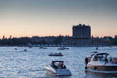 小船cda湖 库存图片
