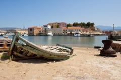 小船chania克利特捕鱼老希腊 免版税库存照片