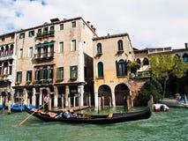 小船gondoliero意大利传统威尼斯 免版税图库摄影