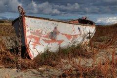 小船hdr地产锁着的正确的天空 库存图片
