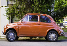 小葡萄酒意大利汽车菲亚特Abarth 免版税库存照片