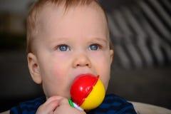 小蓝眼睛的男孩 免版税图库摄影