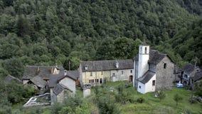 小被忘记的传统村庄和教会 股票录像