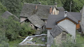 小被忘记的传统村庄和教会 股票视频