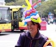 小贩制造欢乐气氛 库存图片