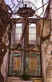 小酒馆伊斯坦布尔,2019年3月的老门 免版税库存图片