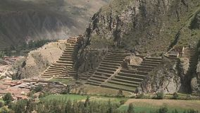 小镇和有些台阶被修造入小山 影视素材