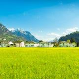 小镇在欧洲 Brunnen 瑞士 库存图片