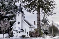 小镇教堂 免版税图库摄影