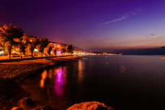 小镇海边晚上 免版税图库摄影