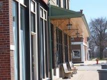 小镇长凳 免版税库存图片