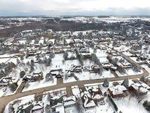 小镇Arial veiw在加拿大 免版税库存照片