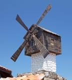 小风车在Sozopol,保加利亚 免版税库存图片
