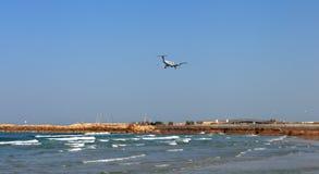 小飞机到天空里 免版税库存照片