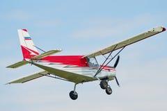 小飞机的飞行 库存照片