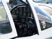 小飞机的驾驶舱 免版税库存图片