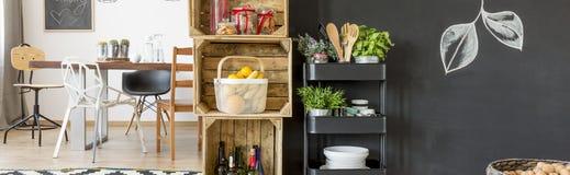 小餐具室在餐厅 库存图片