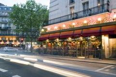 小餐馆法国晚上巴黎场面 免版税图库摄影