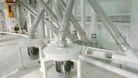 小麦面粉的生产的电子磨房机械 五谷设备 影视素材