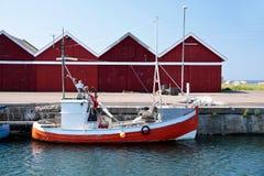 小,红色渔船 免版税库存照片
