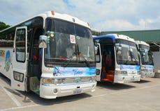 小组五颜六色的汽车等待对新的旅行在西贡 图库摄影
