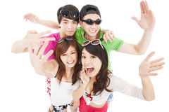 年轻小组享受夏天党 免版税库存照片