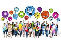小组令人想往的高中学生 免版税库存照片