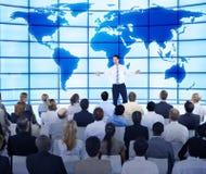 小组企业介绍的商人 免版税图库摄影