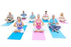 小组健身的健康人 免版税库存图片