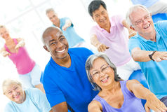 小组健身的健康人 库存照片