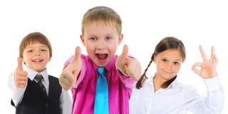 小组儿童摆在 免版税库存图片