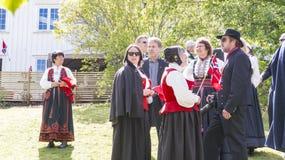 小组在传统服装的Norwegs 免版税库存照片
