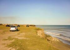 小组在大西洋海岸的汽车 库存图片