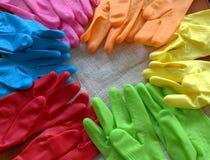 颜色橡胶手套 免版税图库摄影